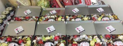 מגשי אירוח – משלוח מתוק