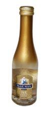 יין נתזים blue nun